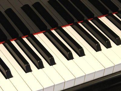 piano keyboard